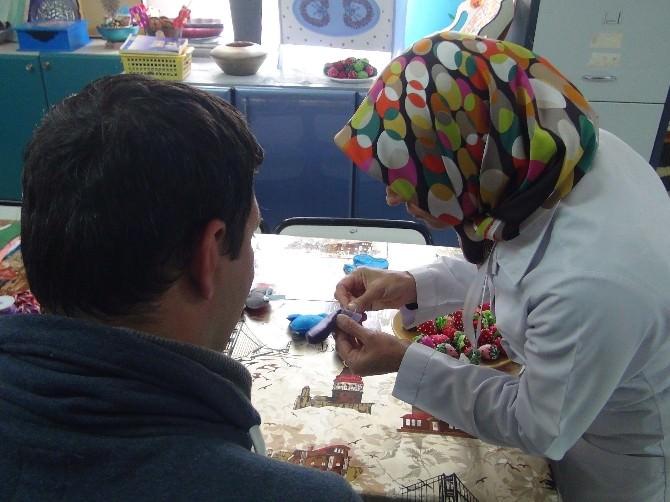 Hastalar Kurslar Sayesinde Hayata Bağlanıyor