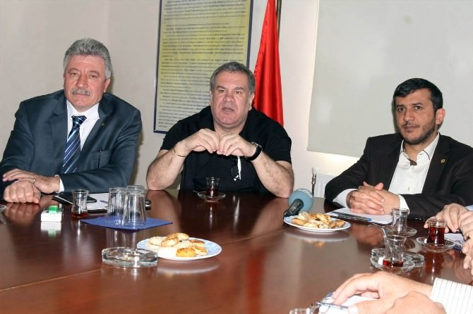 Bucaspor'da Levent Eriş İmzaladı