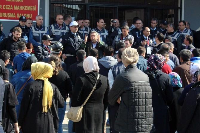 Dava Salonuna Alınmayan Şehit Madenci Yakınları Polisle Tartıştı