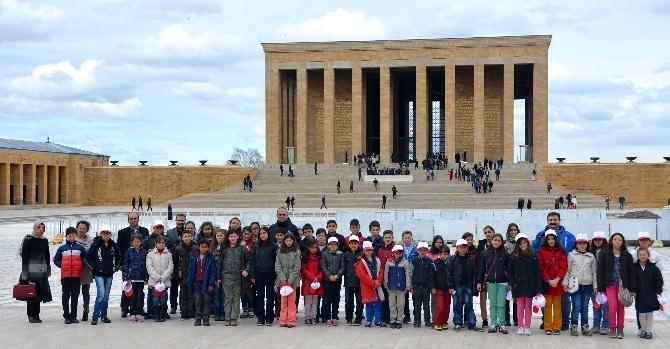 Öğrencilere Anıtkabir Gezisi