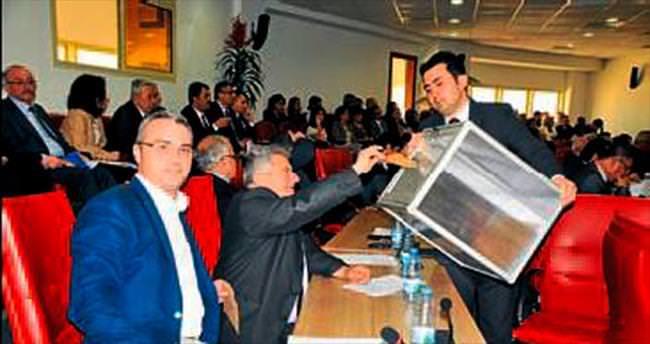 Aydın'da MHP'liler encümene giremedi