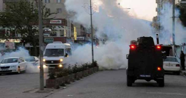 Cizre'de polis yayaya çarpınca ortalık karıştı