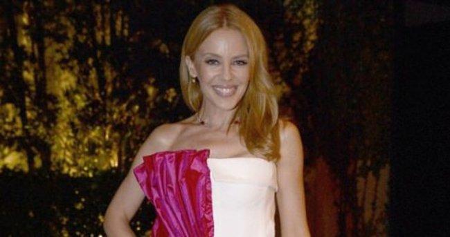 Kylie Minogue hediye paketine döndü