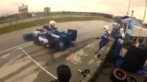 Yarışta akılalmaz kaza