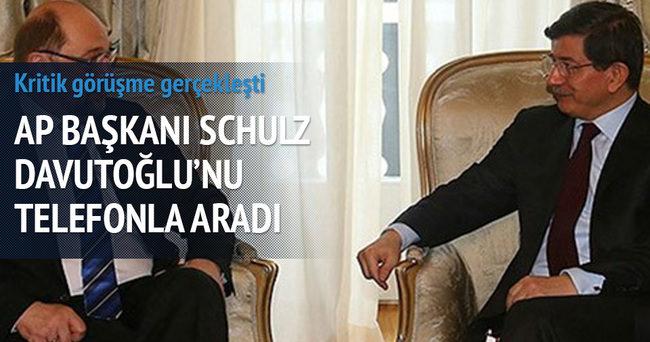 AP Başkanı Başbakan Davutoğlu'nu aradı
