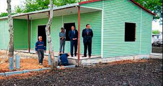 Ceyhan'da prefabrik taziye evleri yapılıyor