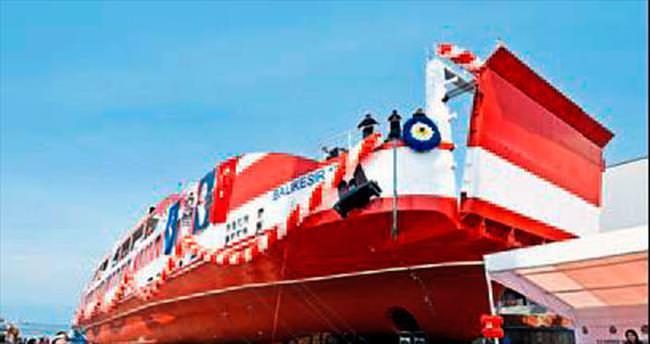 En büyük yolcu gemisi Balıkesir'e geldi