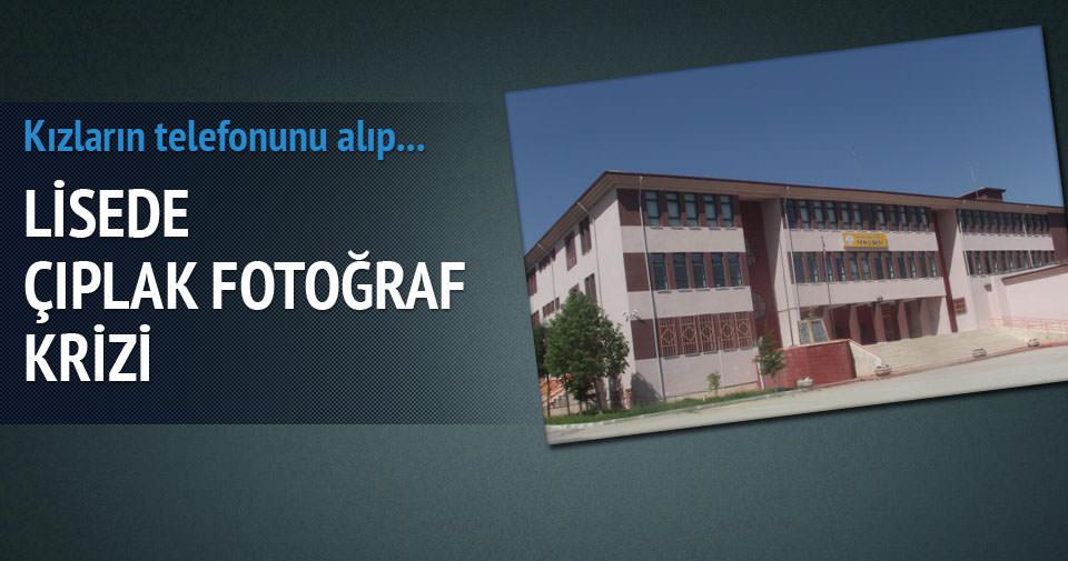 Lisede çıplak fotoğraf krizi