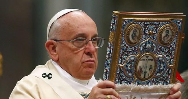 Papa: Öfke, diyalog kurmayı bilmemenin işaretidir