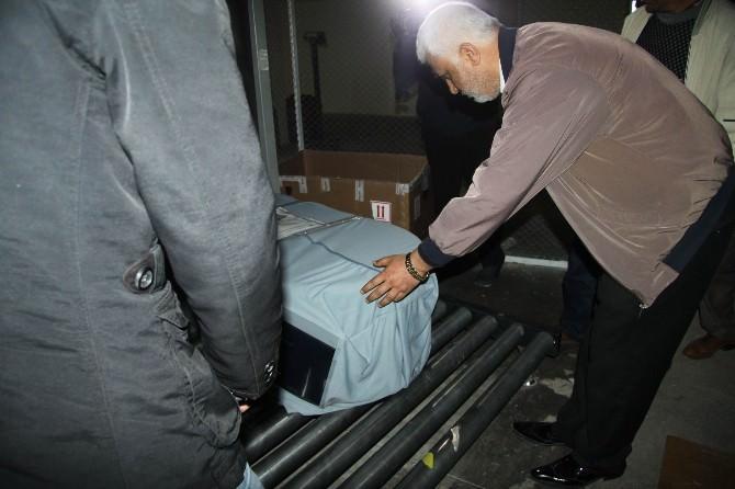 İspanya'da Boğulan Şakir'in Cenazesi Anne Ve Babasına Teslim Edildi