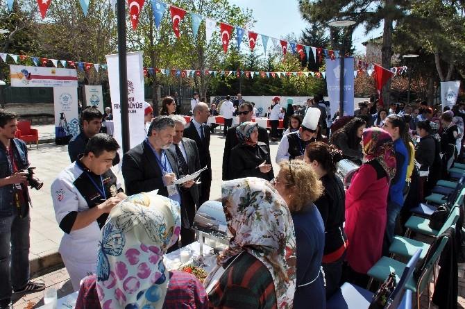 """NEÜ'de """"Anadolu, Selçuklu Ve Konya Mutfağı"""" Yarışması"""
