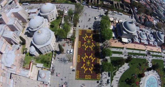 Dünyanın en büyük lale halısı