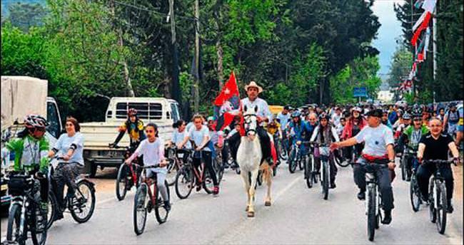 Antalya'da köy halkı pedal bastı