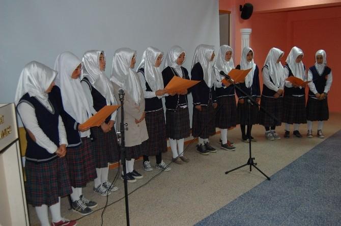 Samsatlı İmam Hatip Öğrencileri Kutlu Doğumu Coşkuyla Kutladı