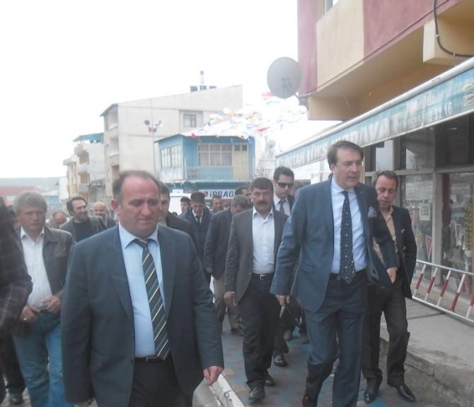 """AK Parti Milletvekili Adayı Aydemir: """"Hedefimiz Gönüllere Girmektir"""""""