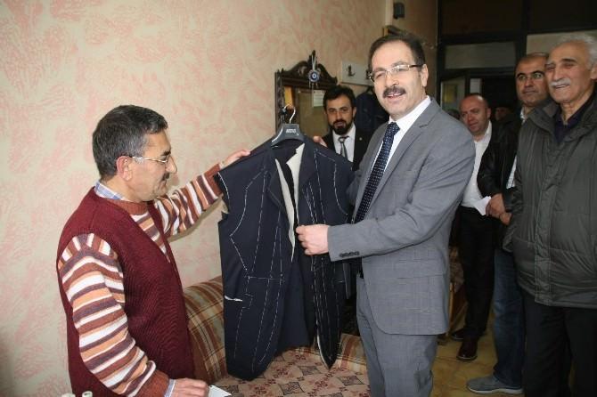 AK Parti Yozgat Milletvekili Adayı Abdulkadir Akgül Esnafı Ziyaret Ederek Sorunlarını Dinledi