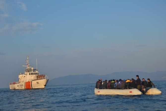 Türk Sahil Güvenliği 513 Göçmeni Kurtardı