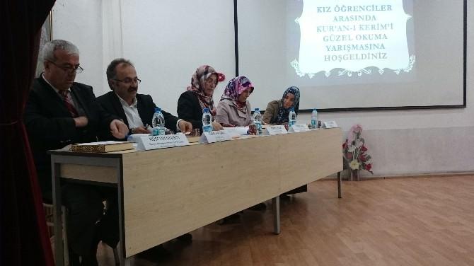 Kız Öğrenciler Arası Kur'an-ı Kerim'i Güzel Okuma Yarışması