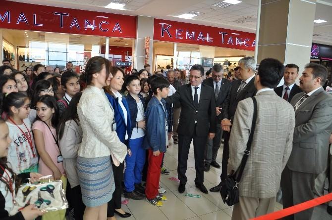Mehmet Akif Ersoy Ortaoklu'ndan 23 Nisan Sergisi
