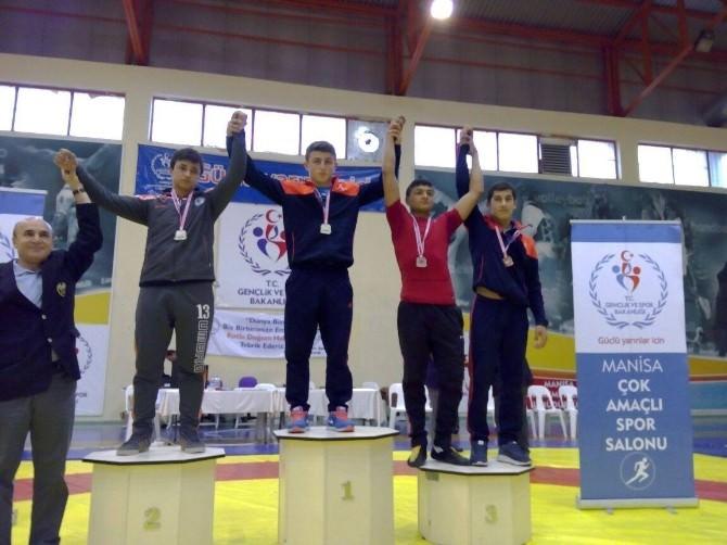 Güreş'te Türkiye Şampiyonu Gaziantep'ten