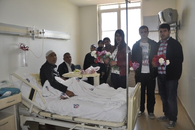 Gençlerden Onkoloji'ye Ziyaret