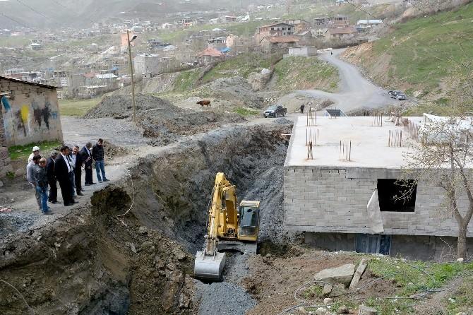 Hakkari'de Çöken Yol Yeniden Yapılıyor
