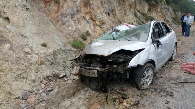 Kuşadası'nda Trafik Kazası: 3 Yaralı