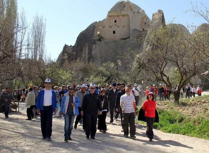 Nevşehir'de Vadi Yürüyüşü