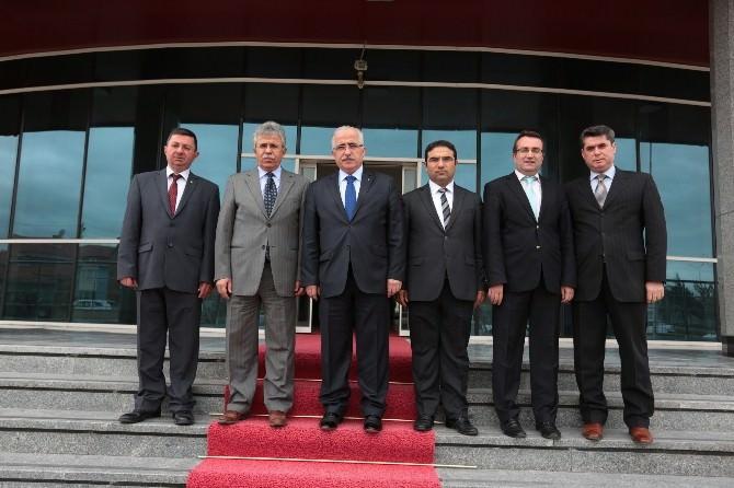 Vali Tuna, Vergi Dairesi Başkanı Özbakır'ı Makamında Ziyaret Etti