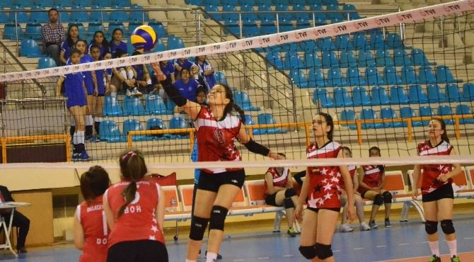Yıldız Kızlar Türkiye Grup Birinciliği Adana'da Sona Erdi