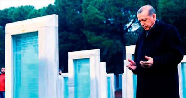 Çanakkale için 'Dua' şiirini okudu, dua etti