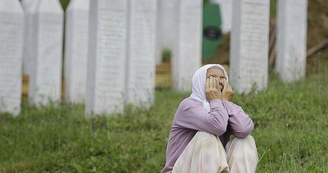 Srebrenitsa anneleri Papa'ya tepkili