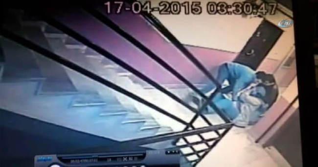Kazaklı gasp güvenlik kamerasında