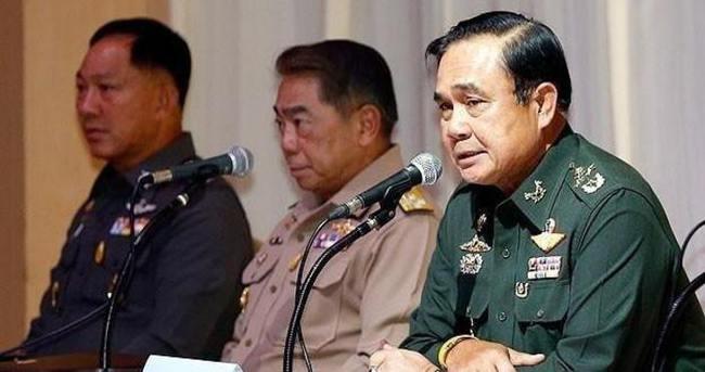 Tayland'da 17 öğrenciye başörtüsü yasağı