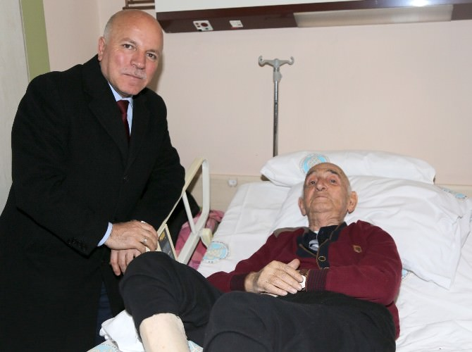 Başkan Sekmen'den Turgutcan'a Ziyaret
