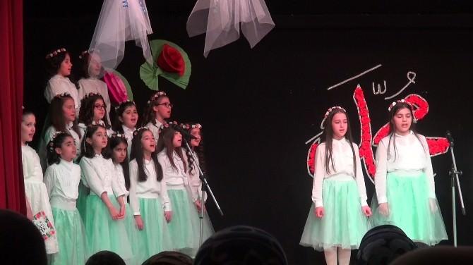 Körfez'de İlkokul Öğrencilerinden Anlamlı Gece