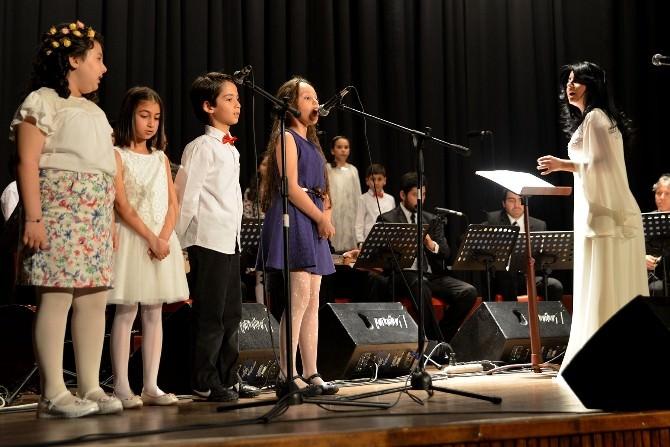 Çocuk Ve Gençlik Korosu'ndan 23 Nisan Konseri