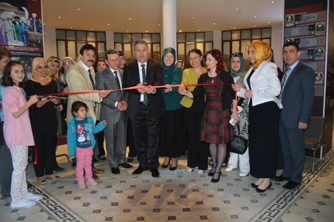 'Aşk'ı Niyaz'ın Açılışını Başkan Çerçi Yaptı