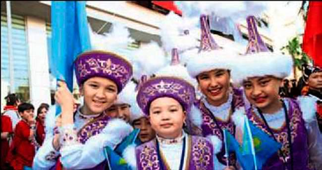 Karşıyaka'da çocuk şenlikleri başladı