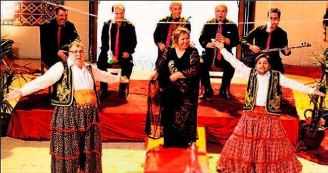 Adana'da Sanat Sevenler Gecesi