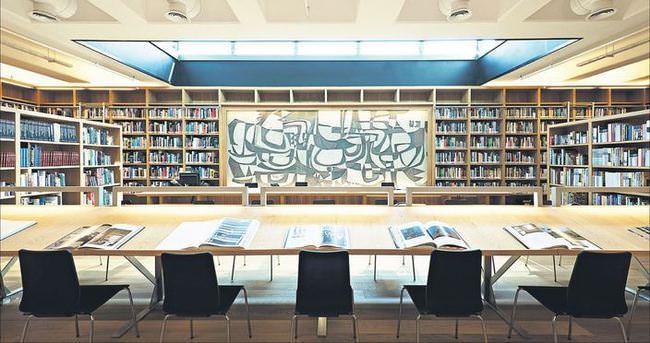 Moda bu kütüphanede