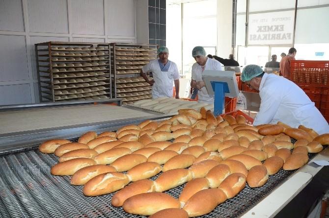 El Değmeden Ekmek Üretimi Yapılıyor