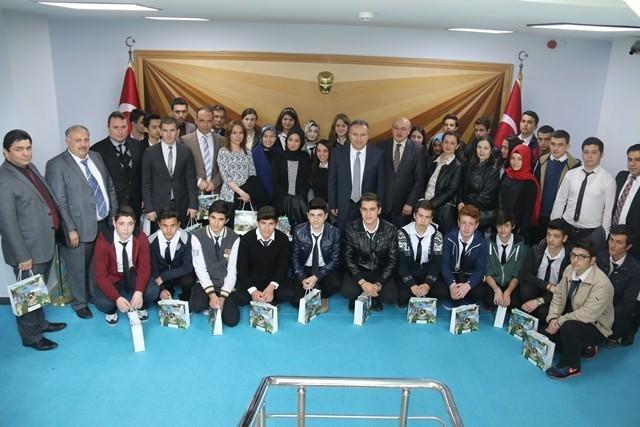 Öğrencilerden Vali Ali Fidan'a Ziyaret