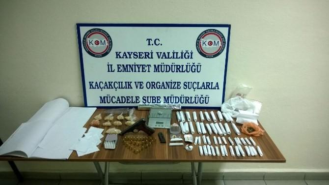 Uyuşturucu Tacirleri Gözaltına Alındı