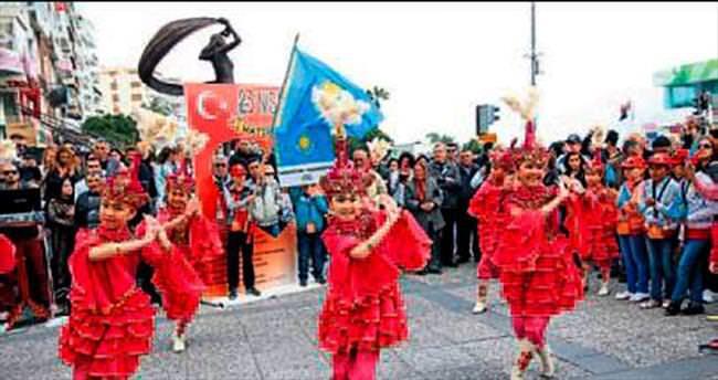 İzmir'de dopdolu program