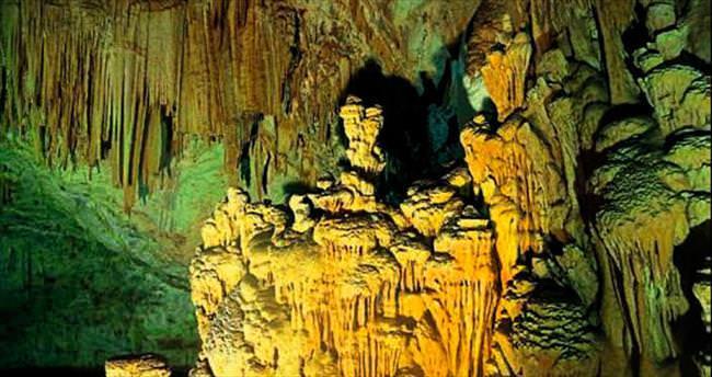 Çobanın bulduğu Aynalıgöl Mağarası büyük ilgi görüyor