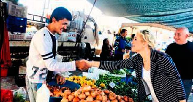 CHP adayları pazarda