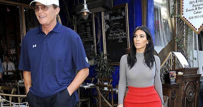 Bruce Jenner kadın kıyafetiyle yakalandı