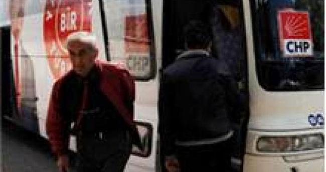 CHP seçim otobüsüne taşlı saldırı