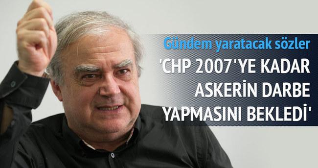 Halil Berktay: 'CHP 2007'ye kadar askerin darbe yapmasını bekledi'